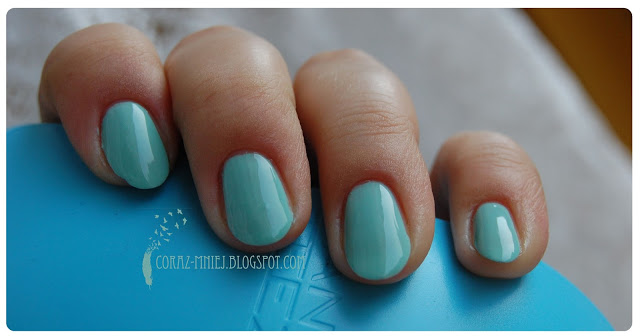 essie-mint-candy-apple