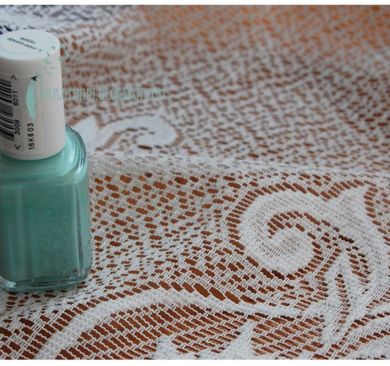 Mint Candy Apple, Essie