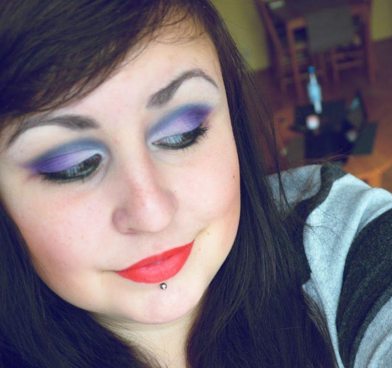Makijaż paletką Sleek ultra Matte darks