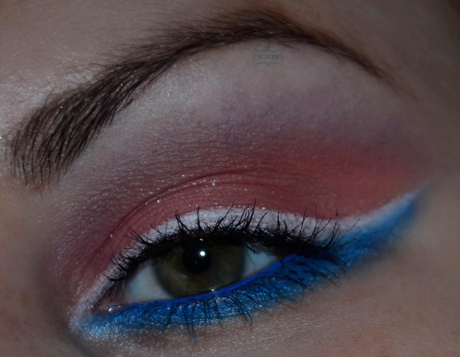 Biało niebieska kreska w roli głównej