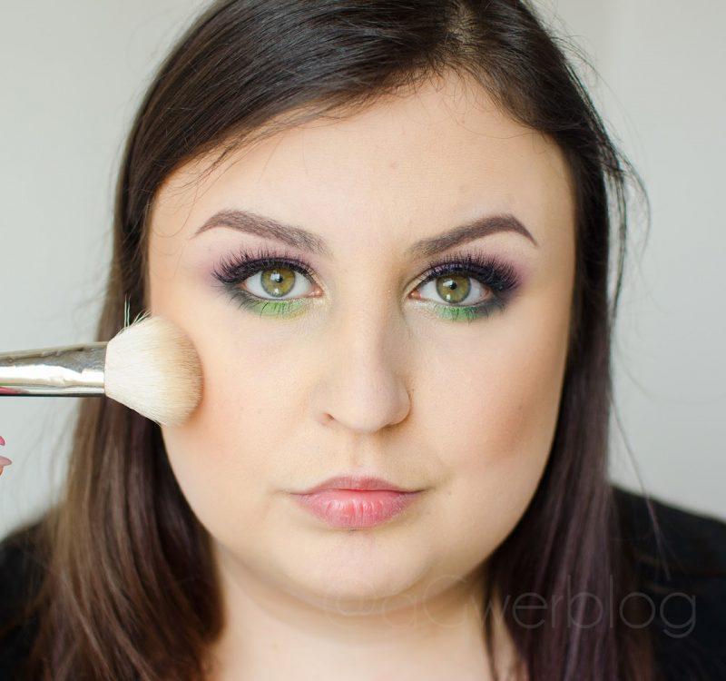 Konturowanie okrągłej twarzy | kilka przydatnych wskazówek