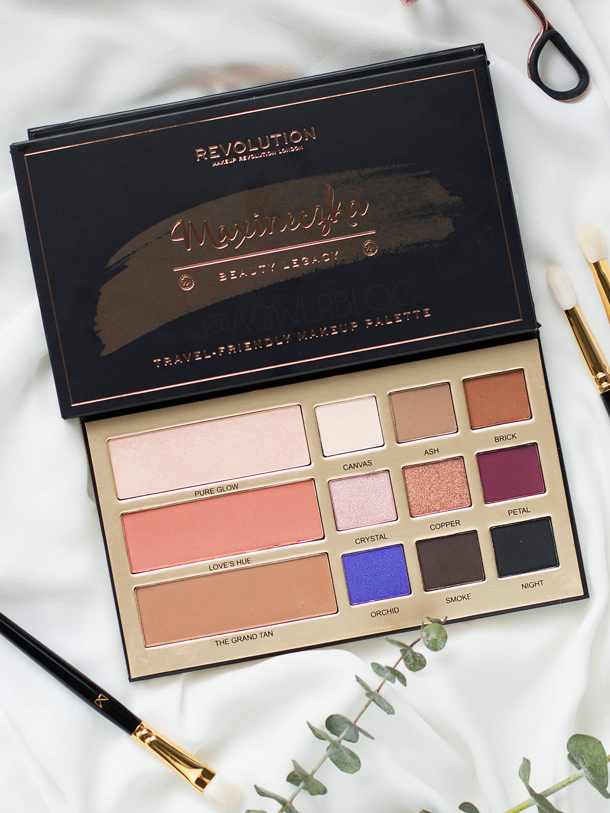 paleta Makeup Revolution Maxineczka Beauty Legacy