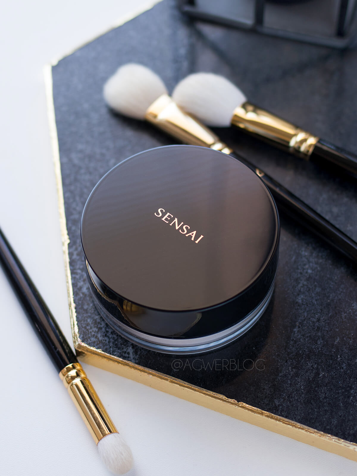 Sensai Translucent Loose Powder blog