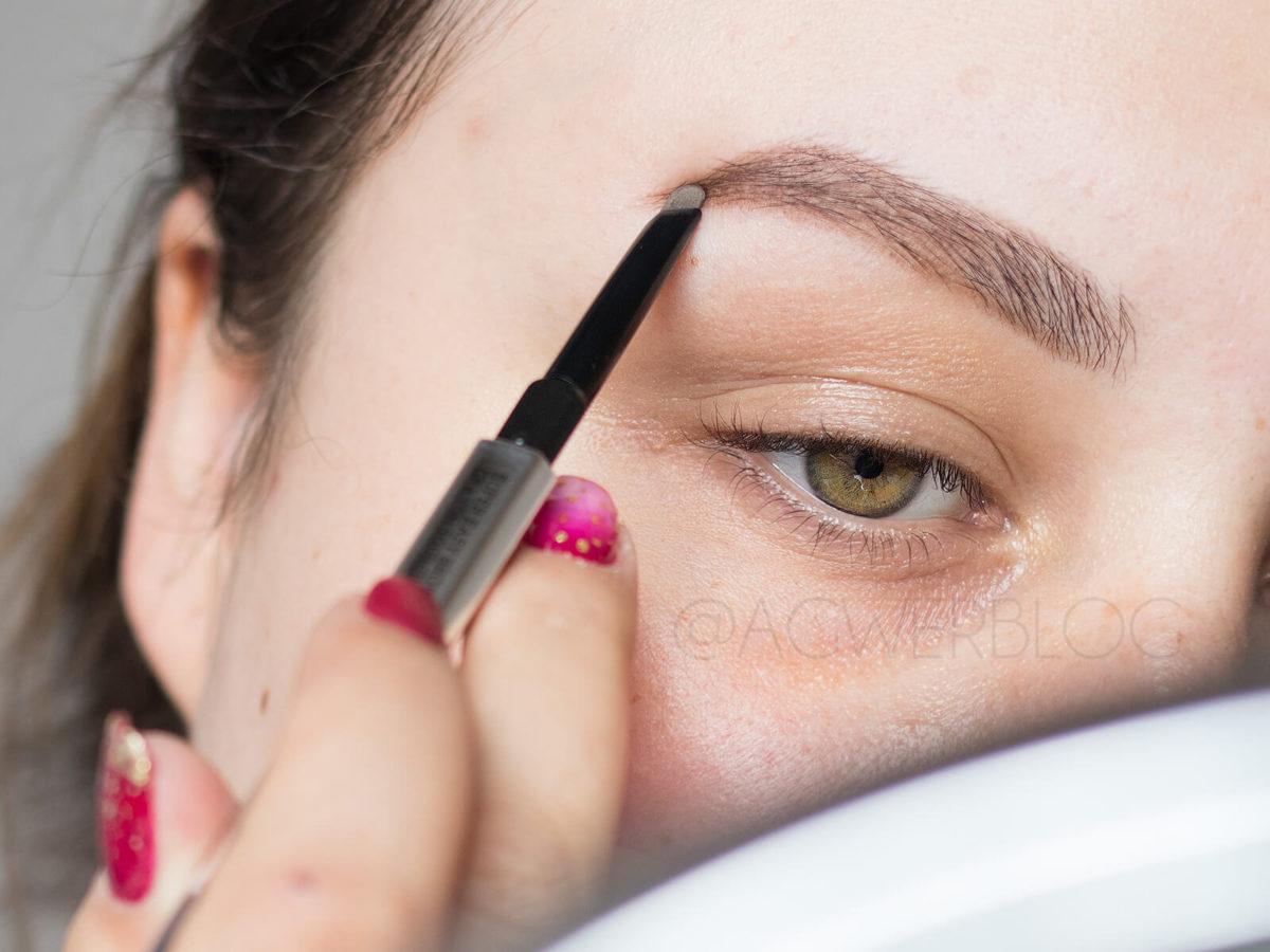 błedy w makijażu brwi jak malować