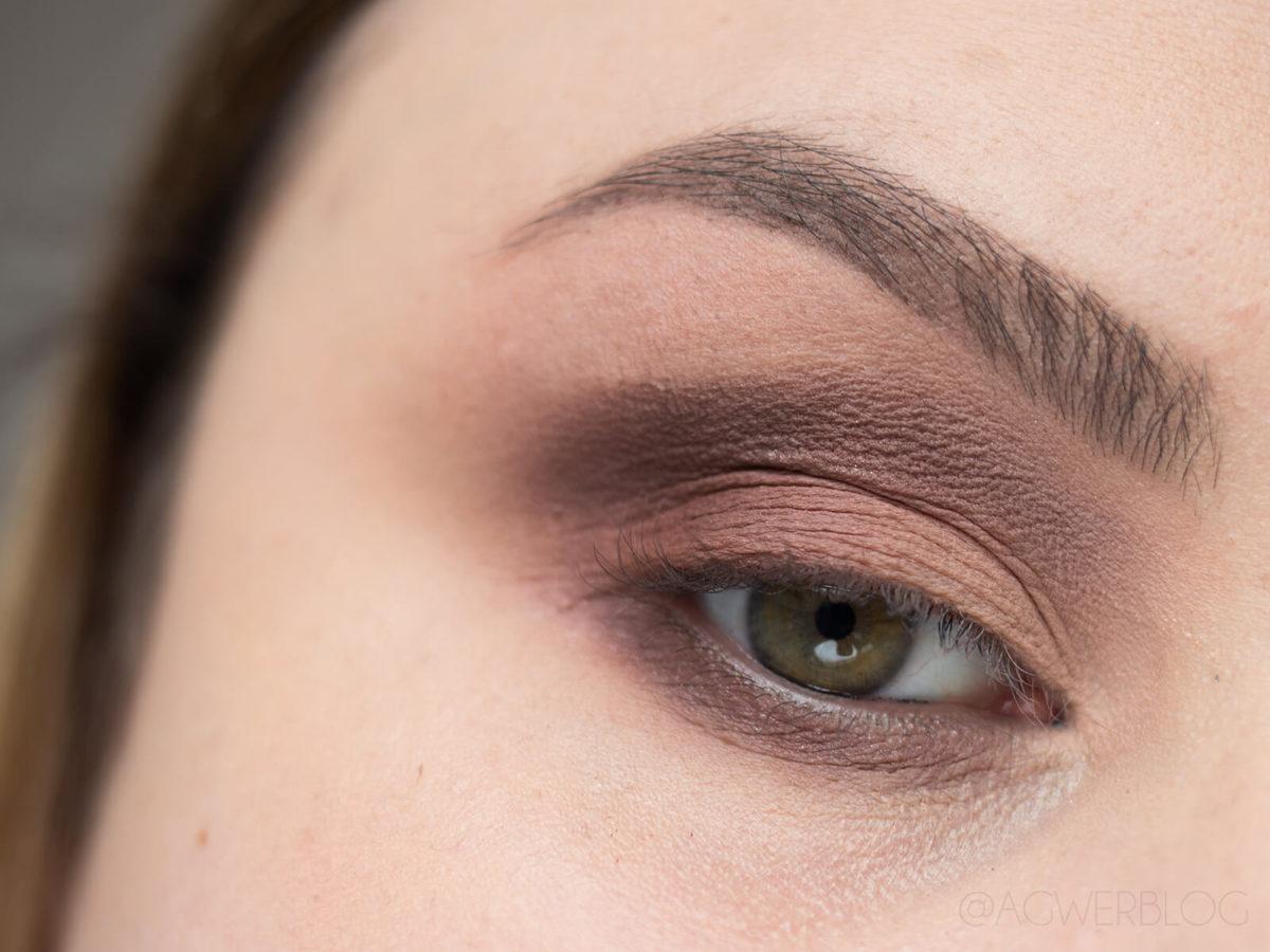 błędy w makijażu oczu, które dodają lat