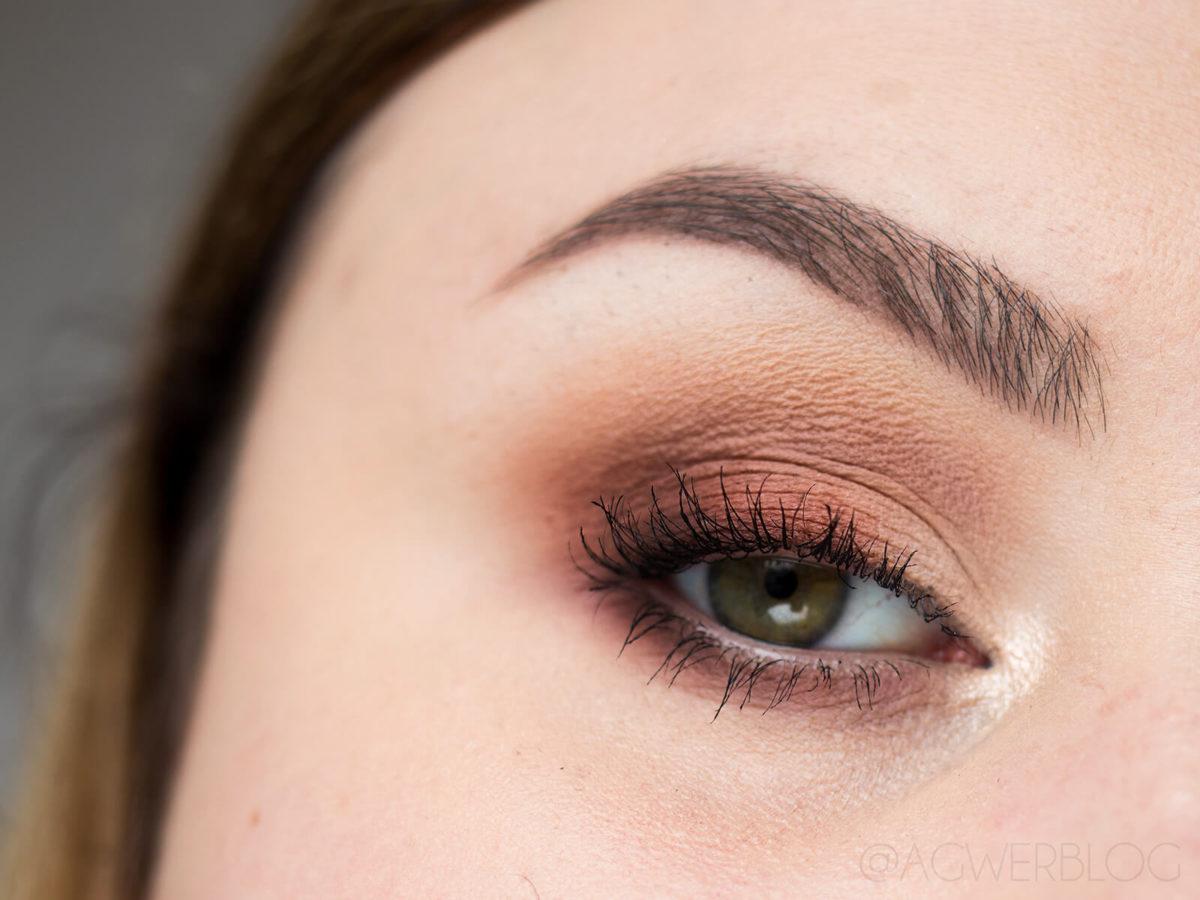 błędy przy makijażu oczu