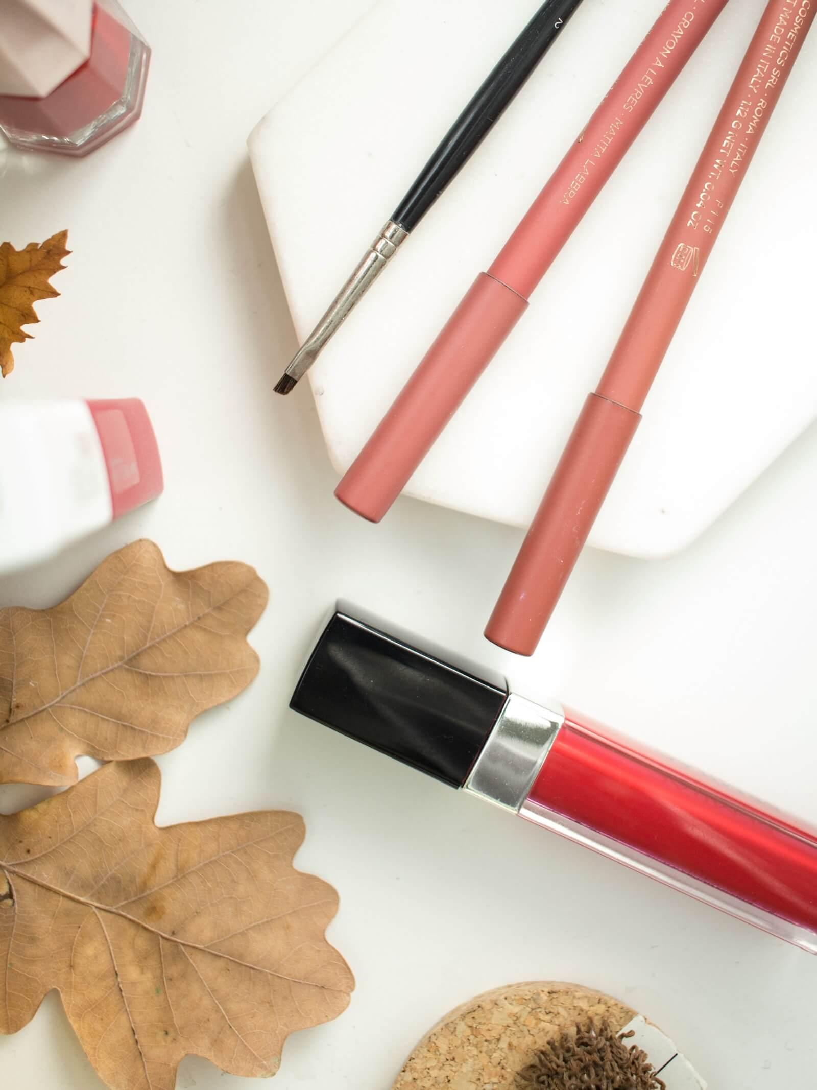 jak zrobić makijaż ust błędy