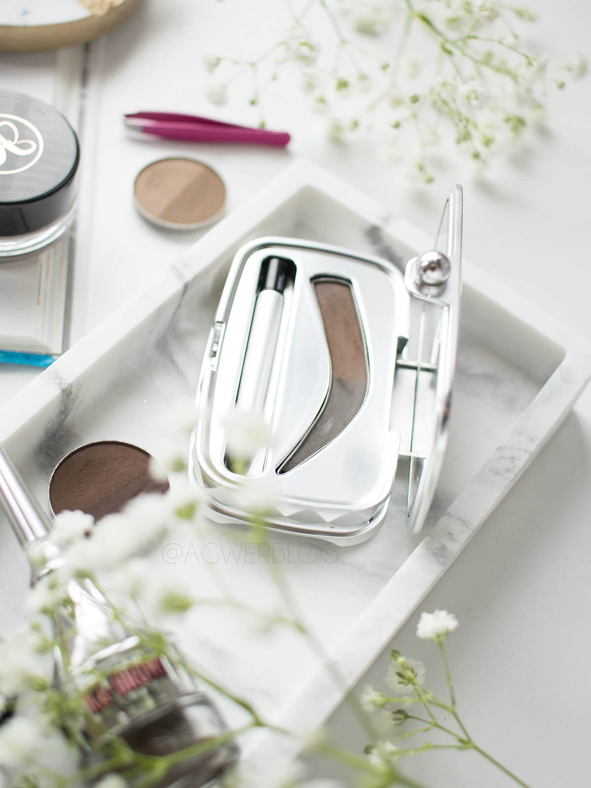 makijaż brwi kosmetyki