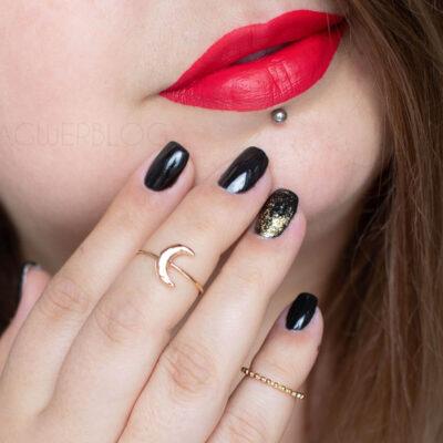 Czarne paznokcie hit czy kit? Jak je nosić i z czym łączyć.
