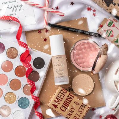 Świąteczny niezbędnik makijażowy po polsku + propozycja makijażu