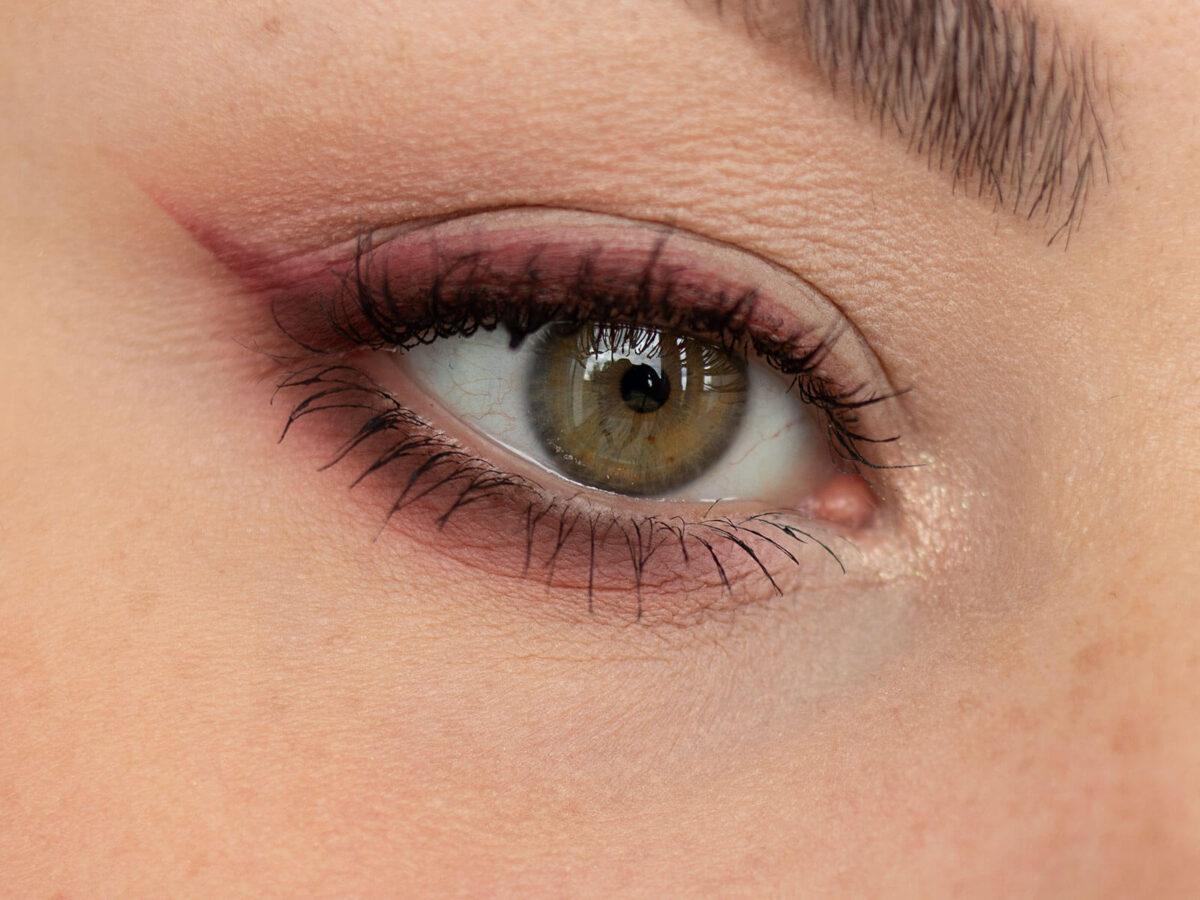 korektor na cienie pod oczami